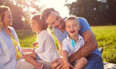משפחה אחרי טיפול ברפואה משלימה ברפואות