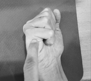 נקודות לחיצה בכף היד לשחרור כאבי צוואר